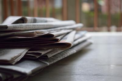 newspapers-batch-blur-518543
